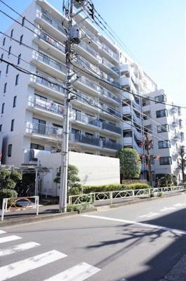 都営新宿線「菊川」駅徒歩約3分。通勤通学に大変便利です。