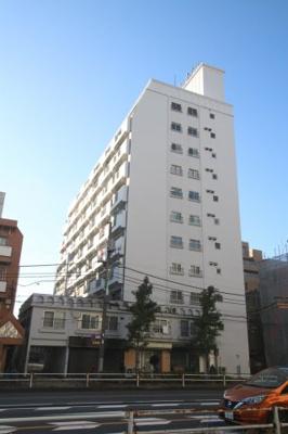 丸ノ内線始発駅。JR総武中央線・東京メトロ丸ノ内線「荻窪」駅徒歩10分の立地です。