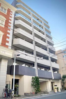 鉄筋コンクリート造9階建てマンション、お住まいは6階部分になります。