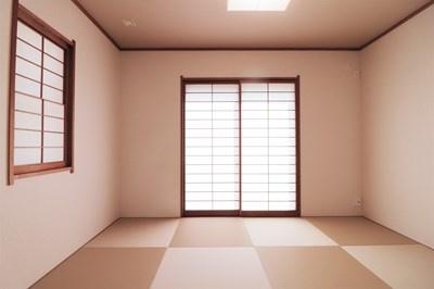 【現地写真】 和室にも収納があります。お子様のお昼寝など、やすらげる空間です♪
