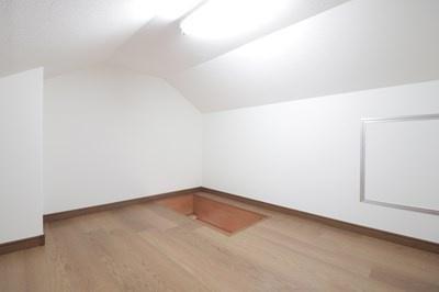 【現地写真】物置にも利用できる屋根裏部屋♪