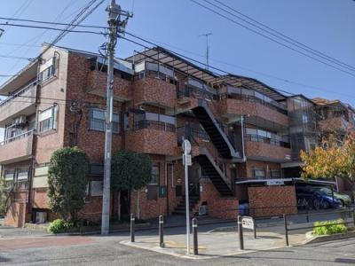 東急東横線・大井町線「自由が丘」駅より徒歩約6分です。