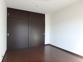 洋室6帖扉側