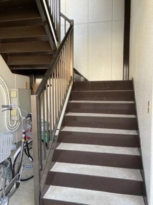 広々とした階段スペースです。