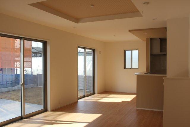 【居間・リビング】甲府市上今井町 新築分譲住宅1棟