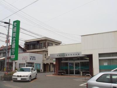 大垣共立銀行中川支店まで829m