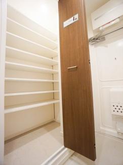 玄関シューズボックス。スッキリ片付いた玄関がキープできます。