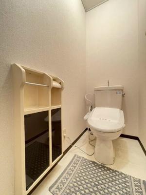 2階のトイレには温水洗浄便座が付いています☆1階・2階両方にトイレがあるのがうれしいですよね♪