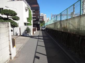 エクセル藤和駐車場 物件前の道路