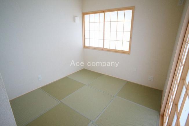 【1階:和室4.5帖】お洒落な琉球畳です☆