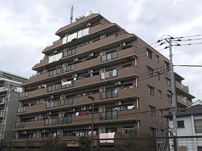 東京メトロ千代田線始発駅「北綾瀬」駅徒歩約7分の立地。