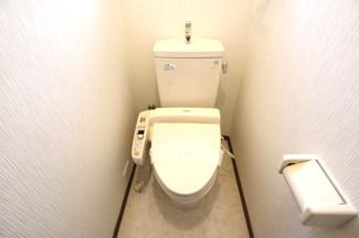 1階の洋室は2部屋繋がっているので、引戸を外して広く使う事も可能です。