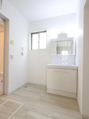 使いやすい独立洗面台です 三郷新築ナビで検索