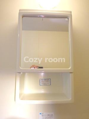 浴室にある収納スペースです。