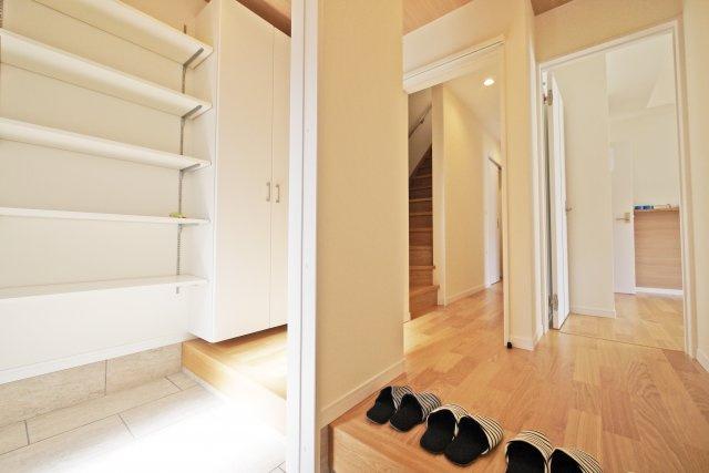 -同社施工例- 各居室に収納があれば、散らからずスッキリした空間に。