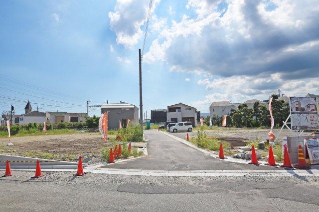 -現地写真- 阪急宝塚線「山本」駅徒歩5分に全13区画の分譲地が誕生。全区画、「ソラエネスマート」が標準仕様です。