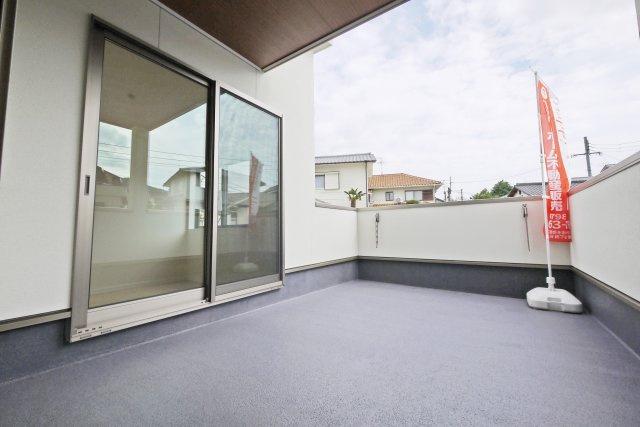 モデルハウスのF号地完成イメージパースです。南西側屋根に太陽光が設置されます。