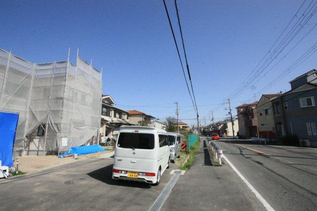 【前面道路含む現地写真】堺市西区浜寺諏訪森町東3丁 新築一戸建て