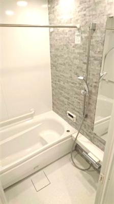 一日の疲れを癒してくれるリラクゼーション空間。浴室には乾燥換気暖房機能付き。