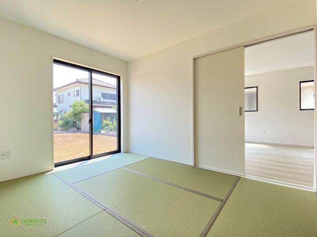 お子様のお昼寝や家事のスペースとしても、マルチにお使いいただける空間です♪