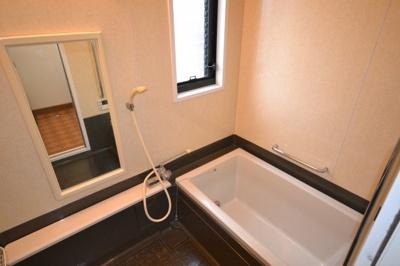 【浴室】堺市堺区向陵中町 戸建