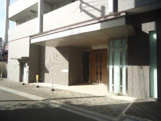 【エントランス】ジオ阪急川西ステーションフロント 2階
