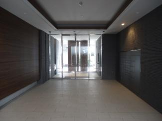 【ロビー】ジオ阪急川西ステーションフロント 2階