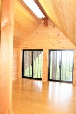 小屋裏収納になっていますw収納スペース豊富ですね