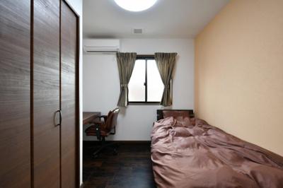 各お部屋は6帖の広さです。上下12部屋設置されています。お部屋のリフォームで自由に大きさを変更する事