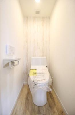 バスルーム新規交換。浴室換気乾燥機付きです。