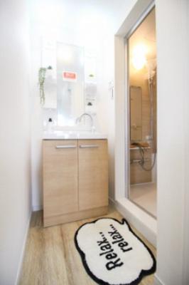 トイレ新規交換。温水洗浄便座です。