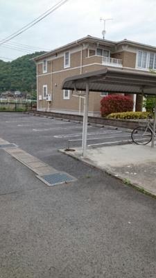 【駐車場】リバーコート A