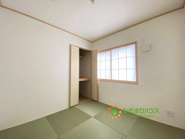お子様のお昼寝や家事のスペースなど、マルチにお使いいただける空間です。