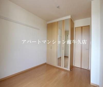 【寝室】Flora iwata(フローラ イワタ)