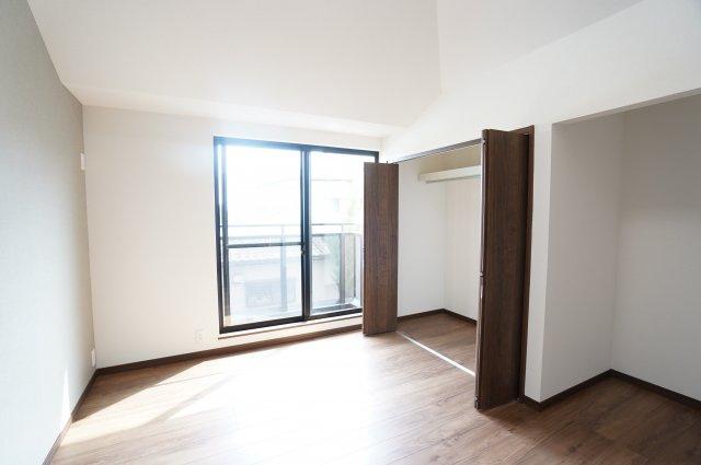 7帖の洋室です。本日、建物内覧できます。お電話下さい!