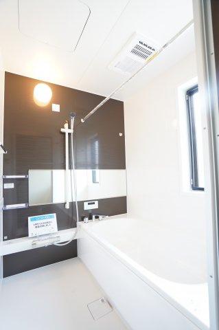 浴槽新品交換いたしました!足の伸ばせる一坪サイズです。本日、建物内覧できます。お電話下さい!