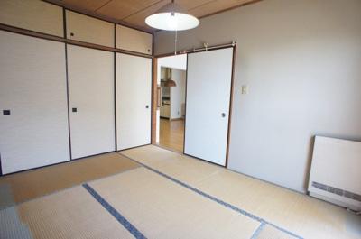 リビングにつながる和室です。