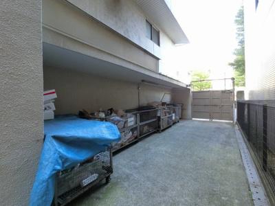 敷地内ゴミ置場です。