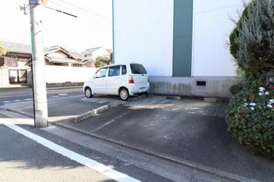 【駐車場】アベニュー国立