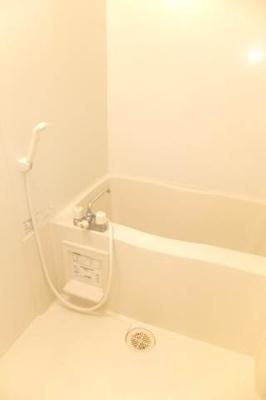 ☆浴室乾燥機付き♪ゆとりのバスルーム☆