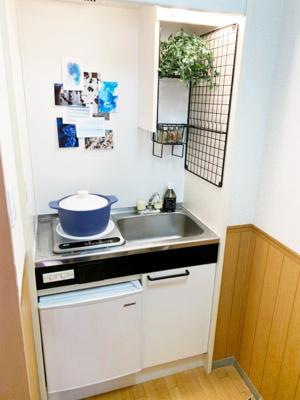クローゼットのある東向き洋室5.7帖のお部屋です!お洋服の多い方もお部屋が片付いて快適に過ごせますね♪