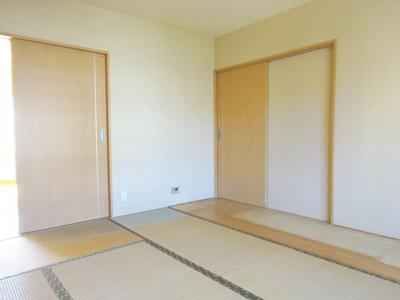 和室6畳はリビングの隣です。