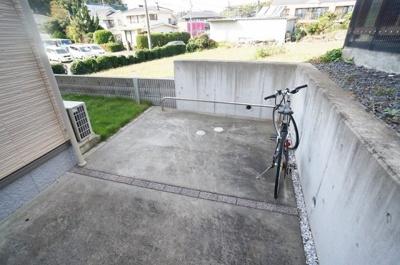 敷地内に駐輪場を完備しています!自転車はちょっとした移動手段に便利ですよね!