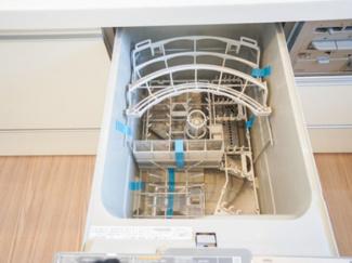 キッチンには便利な食器洗浄機付