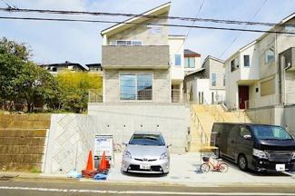 お城のような外観! 横浜駅徒歩圏でありながら、この静けさが人気です。 住環境は良好!