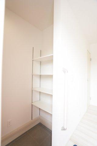 SICがあるので玄関が生活感のない空間となり、広々とした印象になります。