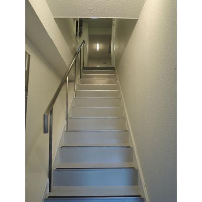 バークフォルム 階段