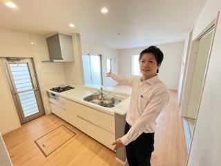 【キッチン】緑区小坂2丁目 4号棟<仲介手数料無料>新築一戸建て