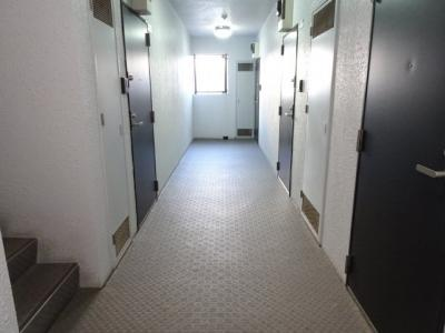 アーバンテラス町屋 2F共用廊下