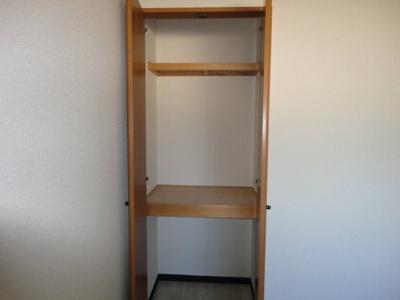 洋室4.5帖の収納スペース